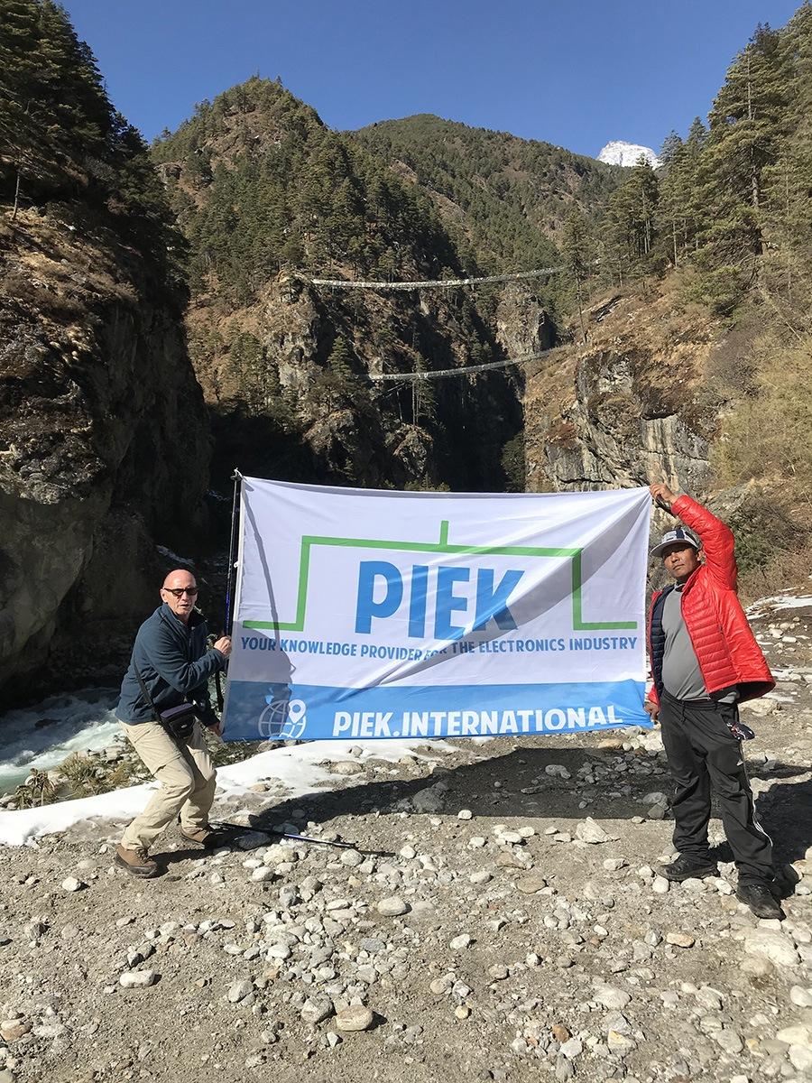 PIEK flag himalaya nepal everest