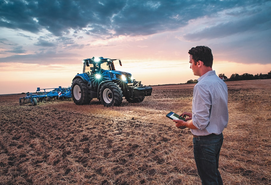 new holland driverless tractor